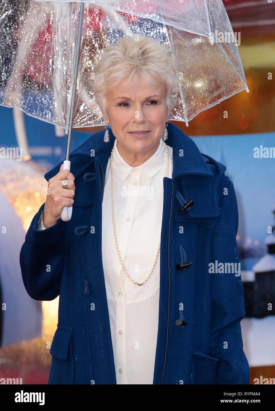 Nov 23, 2014 - London, England, UK - 'Paddington' World Premiere - Red Carpet Arrivals, Odeon, Leicester Square Photo Shows: Julie Walters - Stock Image