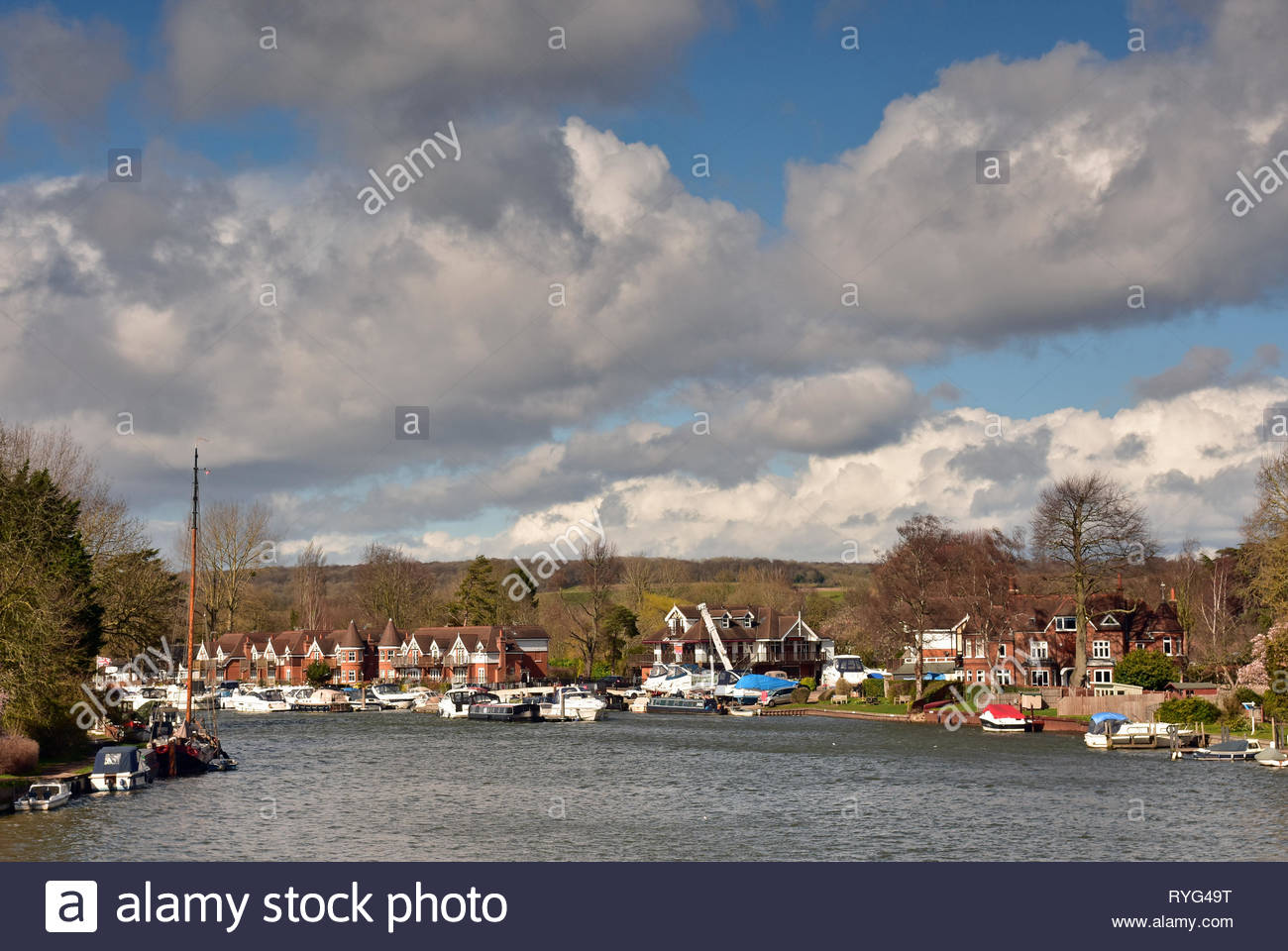 Village of Cookham from the River Thames, Berkshire, England - Stock Image