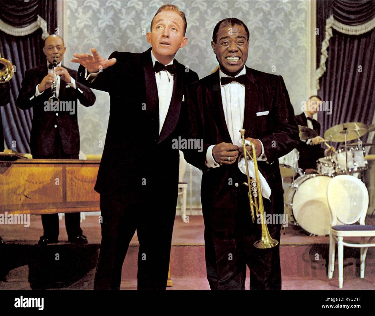 BING CROSBY, LOUIS ARMSTRONG, HIGH SOCIETY, 1956 - Stock Image