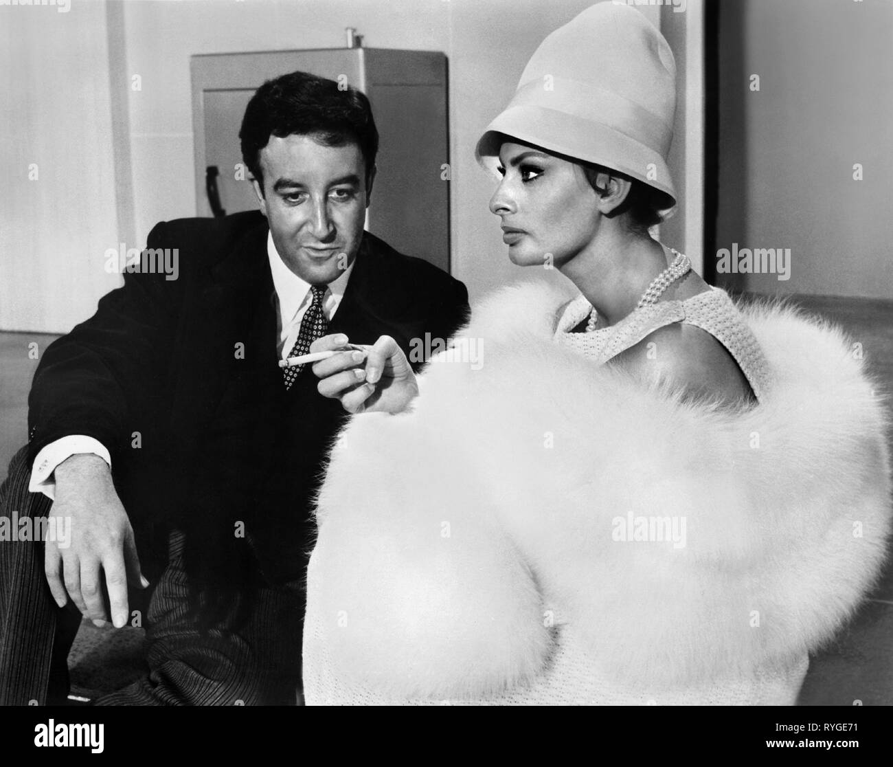 PETER SELLERS, SOPHIA LOREN, THE MILLIONAIRESS, 1960 Stock Photo