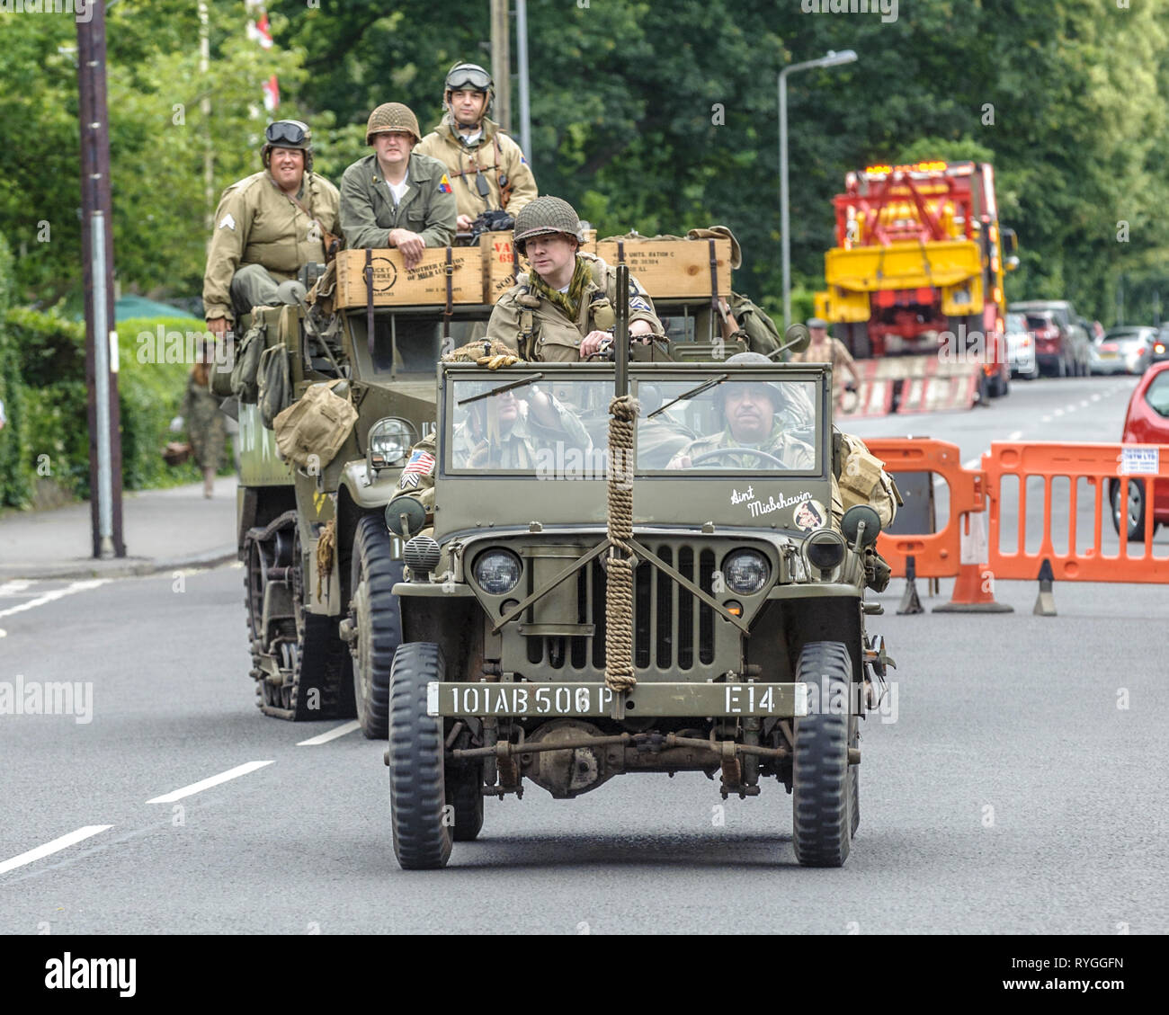 Woodhall Spa 1940s Festival - American soldiers and jeeps Stock Photo