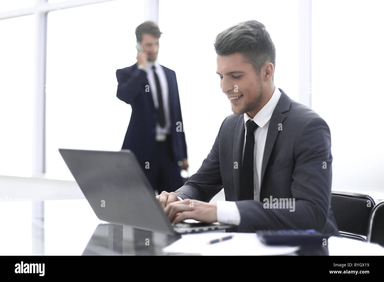 two accountants solve important issues - Stock Image