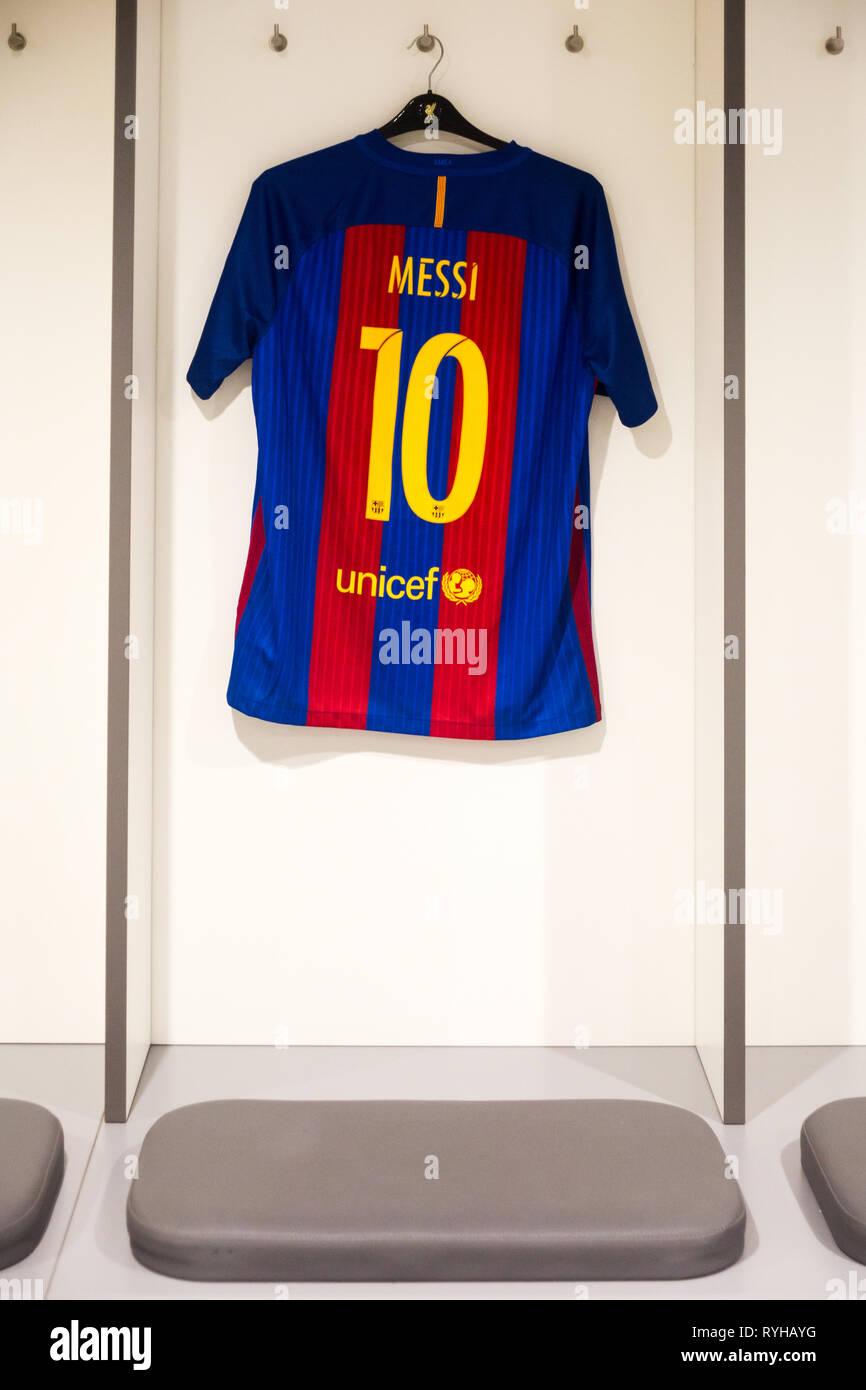 promo code bc2da 45e29 Lionel Messi no. 10 blue & red striped FC Barcelona squad ...