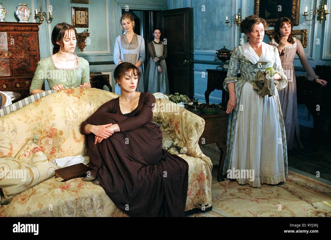 JENA MALONE, KEIRA KNIGHTLEY, ROSAMUND PIKE, TALULAH RILEY, BRENDA BLETHYN, CAREY MULLIGAN, PRIDE and PREJUDICE, 2005 - Stock Image