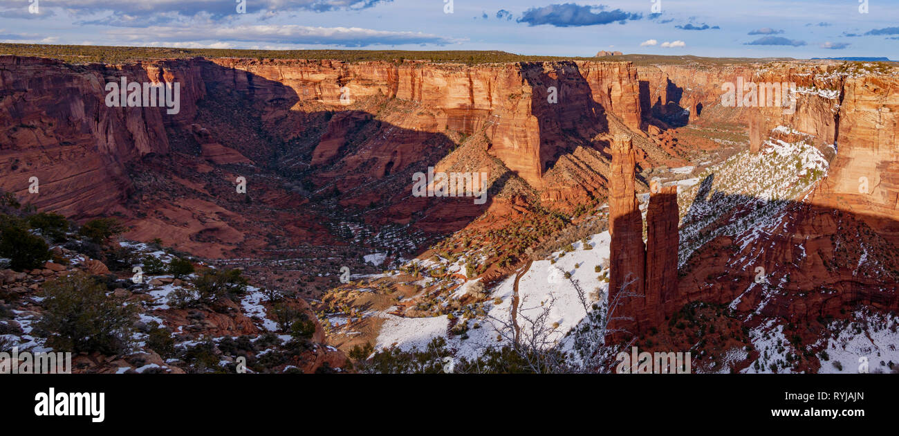 Panorama viewing northeast at Spider Rock Overlook, Canyon de Chelly National Monument, Arizona. - Stock Image