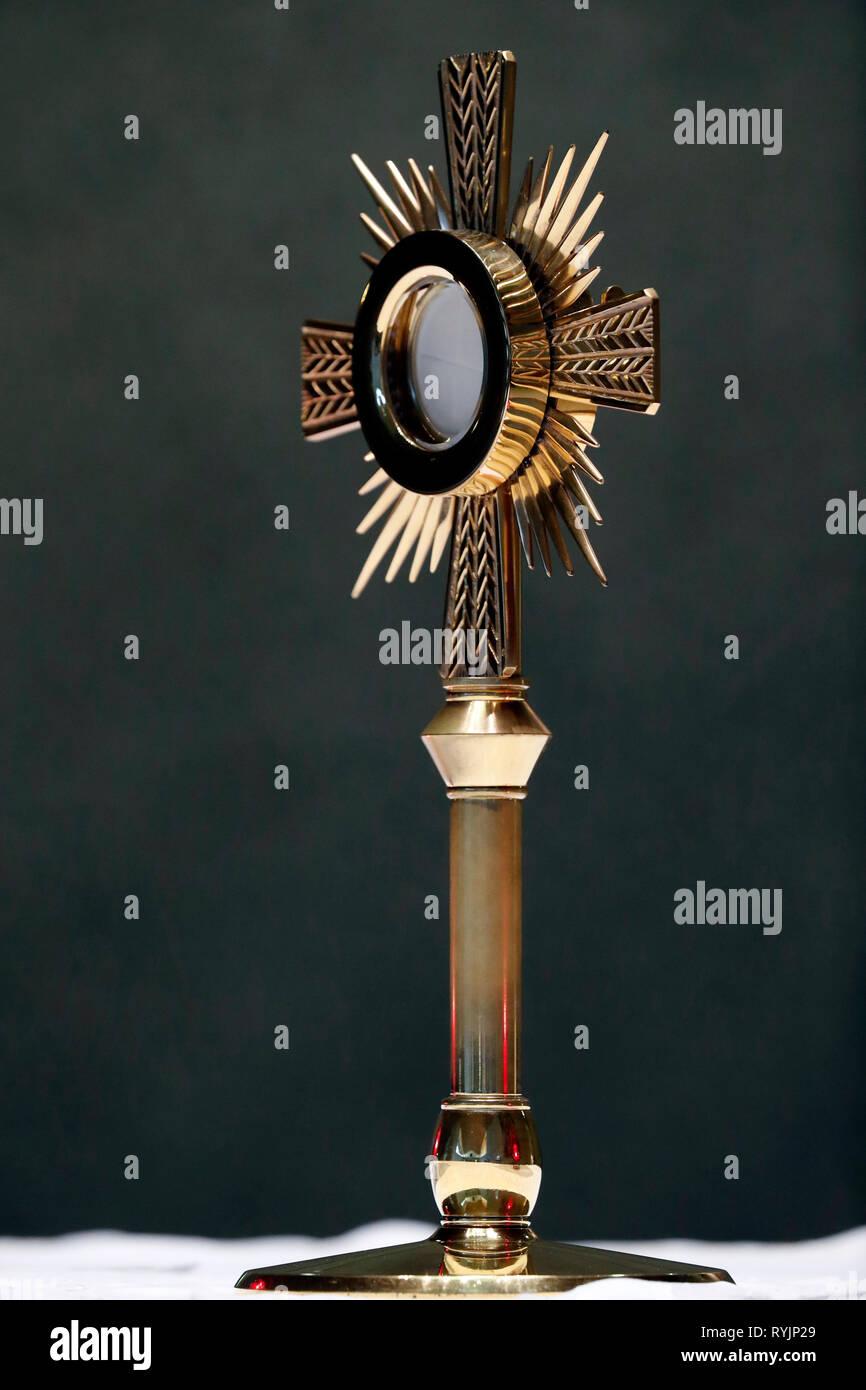 Monstrance.  Eucharistic adoration. France. - Stock Image