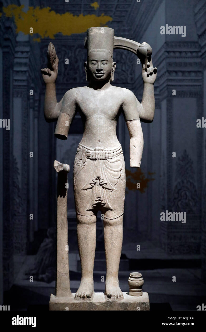 Asian Civilisations Museum. Angkor. Exploring Cambodia's sacred city.  Vishnu. Cambodia, 9th century. Sandstone.  Singapore. - Stock Image