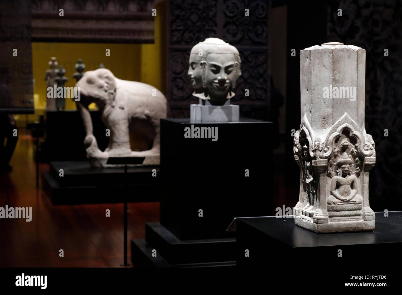 Asian Civilisations Museum. Angkor. Exploring Cambodia's sacred city.  Singapore. - Stock Image