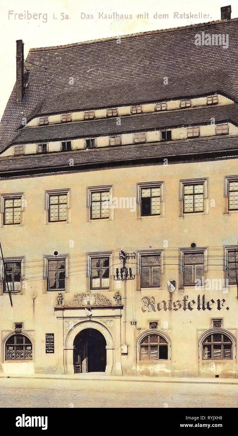 Department stores in Saxony, Buildings in Freiberg (Sachsen), Restaurants in Freiberg (Sachsen), 1912, Landkreis Mittelsachsen, Freiberg, Das Kaufhaus mit dem Ratskeller, Germany - Stock Image
