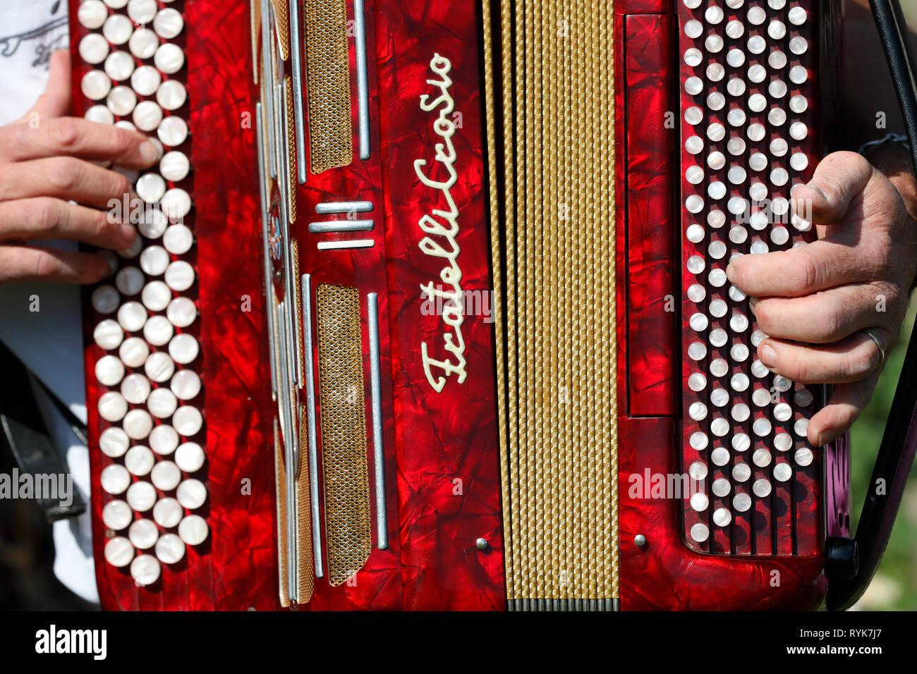 Accordion Band Stock Photos & Accordion Band Stock Images - Alamy