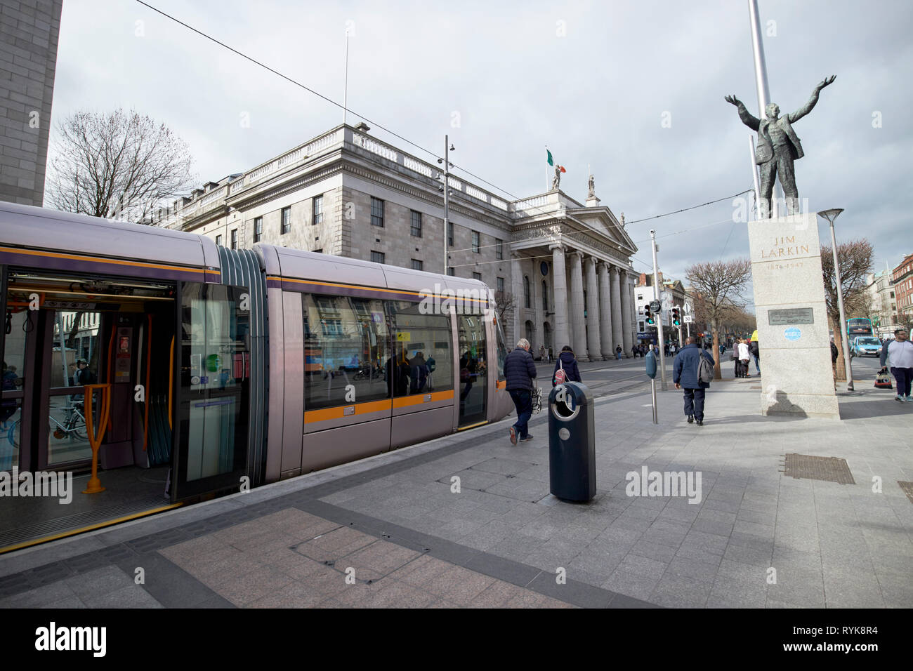 Luas the GPO and Jim Larkin statue on oconnell street Dublin Republic of Ireland europe - Stock Image