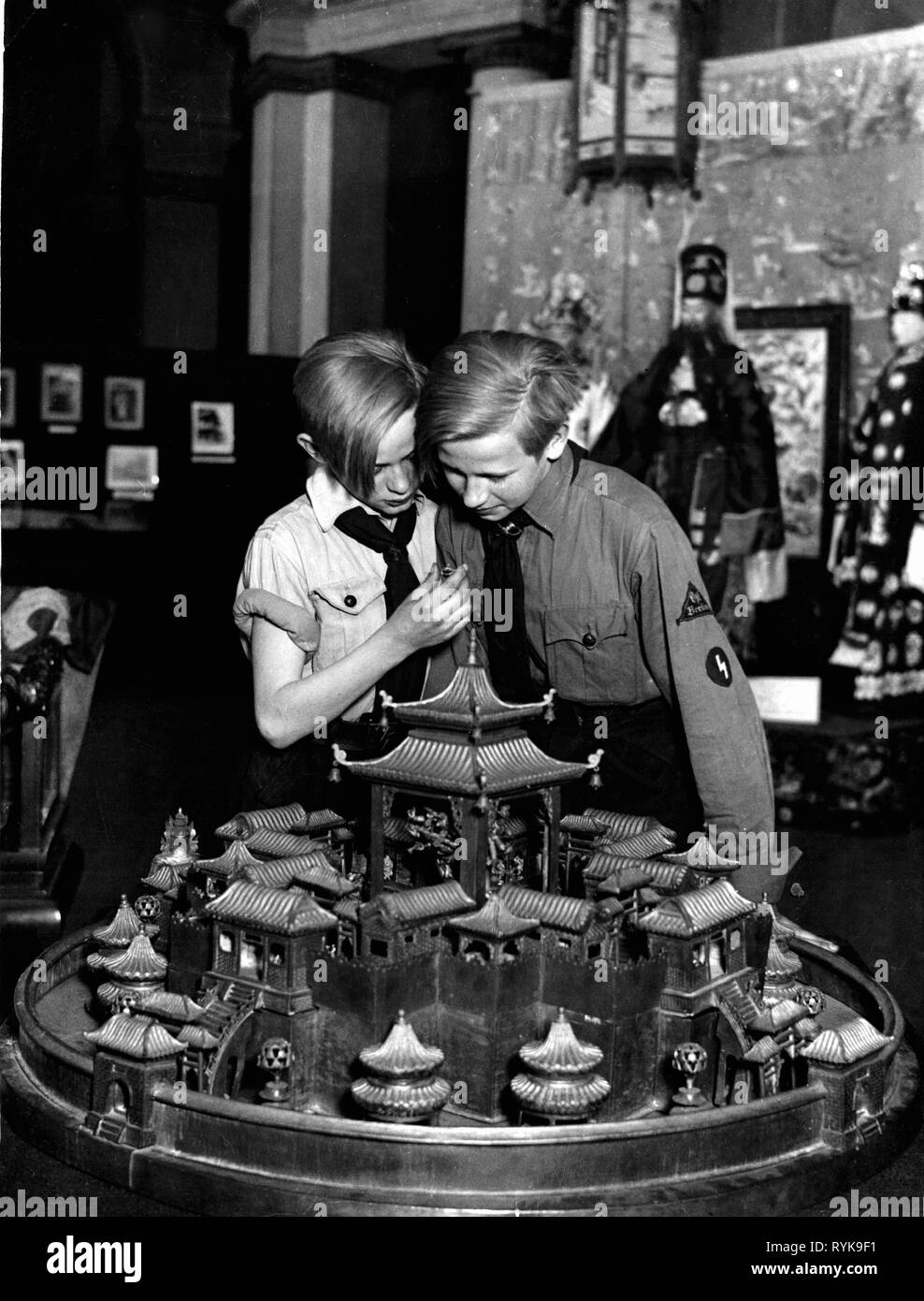 Nazism / National Socialism, organisations, Hitler Youth (HJ), Jungvolk (German Youngsters in the Hitler Youth), district East Berlin, museum tour, Berlin, Germany, 1930s, Additional-Rights-Clearance-Info-Not-Available Stock Photo