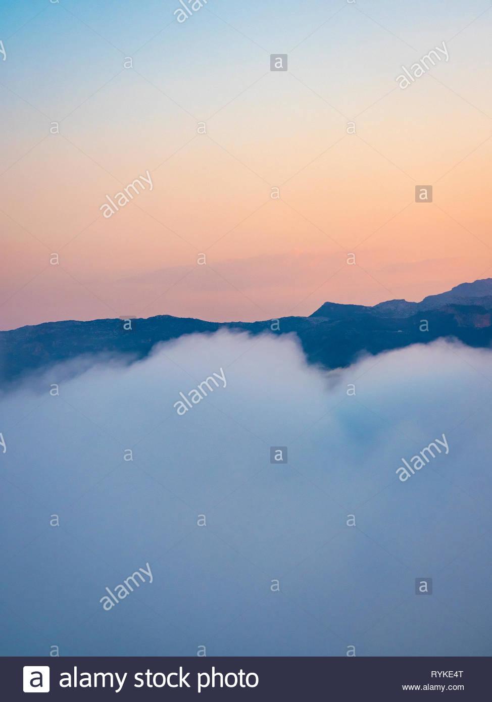Morgenstimmung in den Wolken - Stock Image