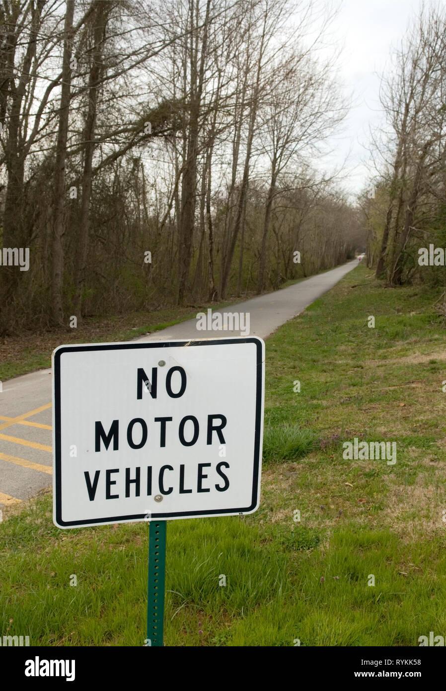 No motor vehicles sign at Greenlink bike and hiking trail, Greenville, South Carolina, USA. Stock Photo