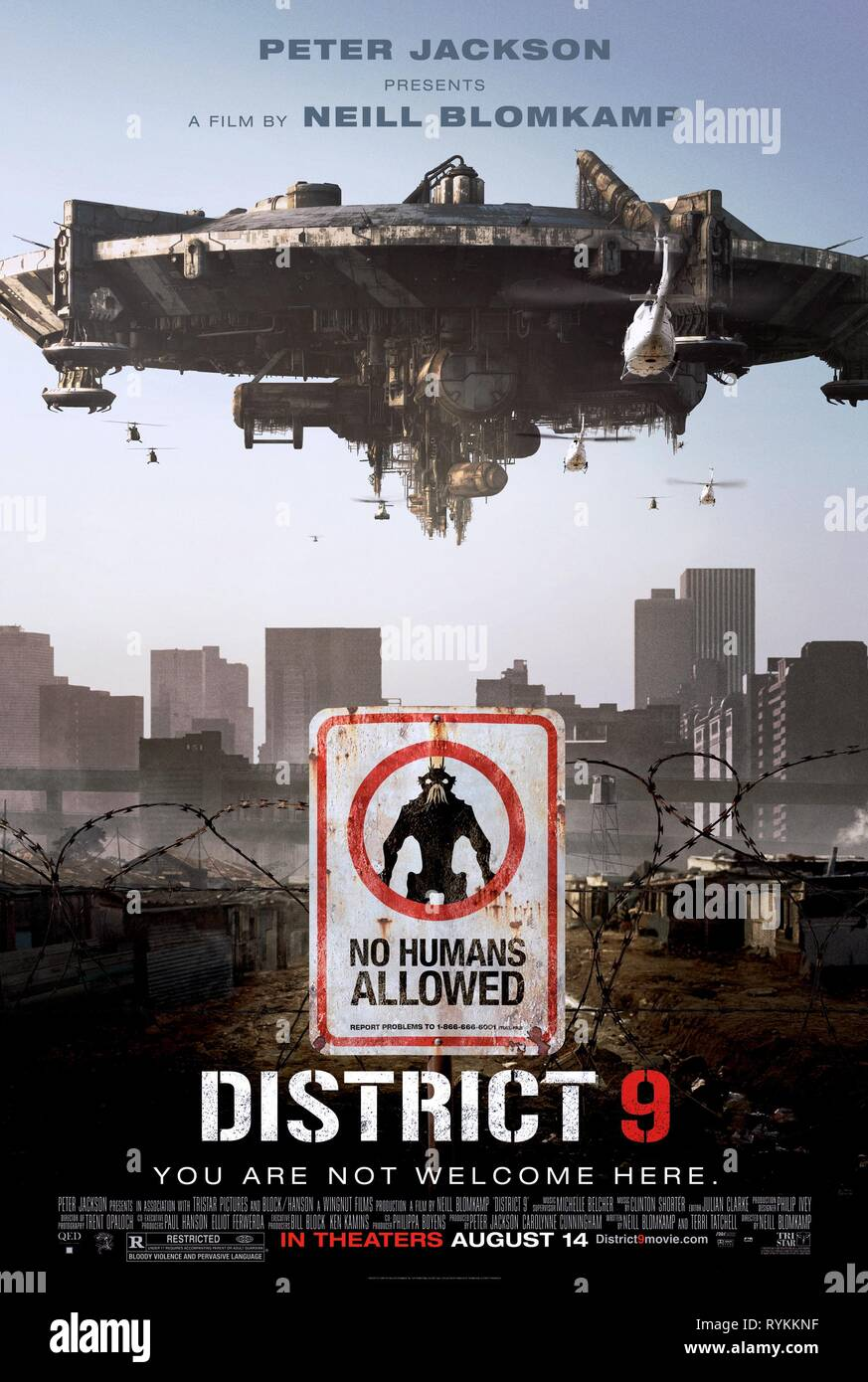 SPACECRAFT POSTER, DISTRICT 9, 2009 - Stock Image