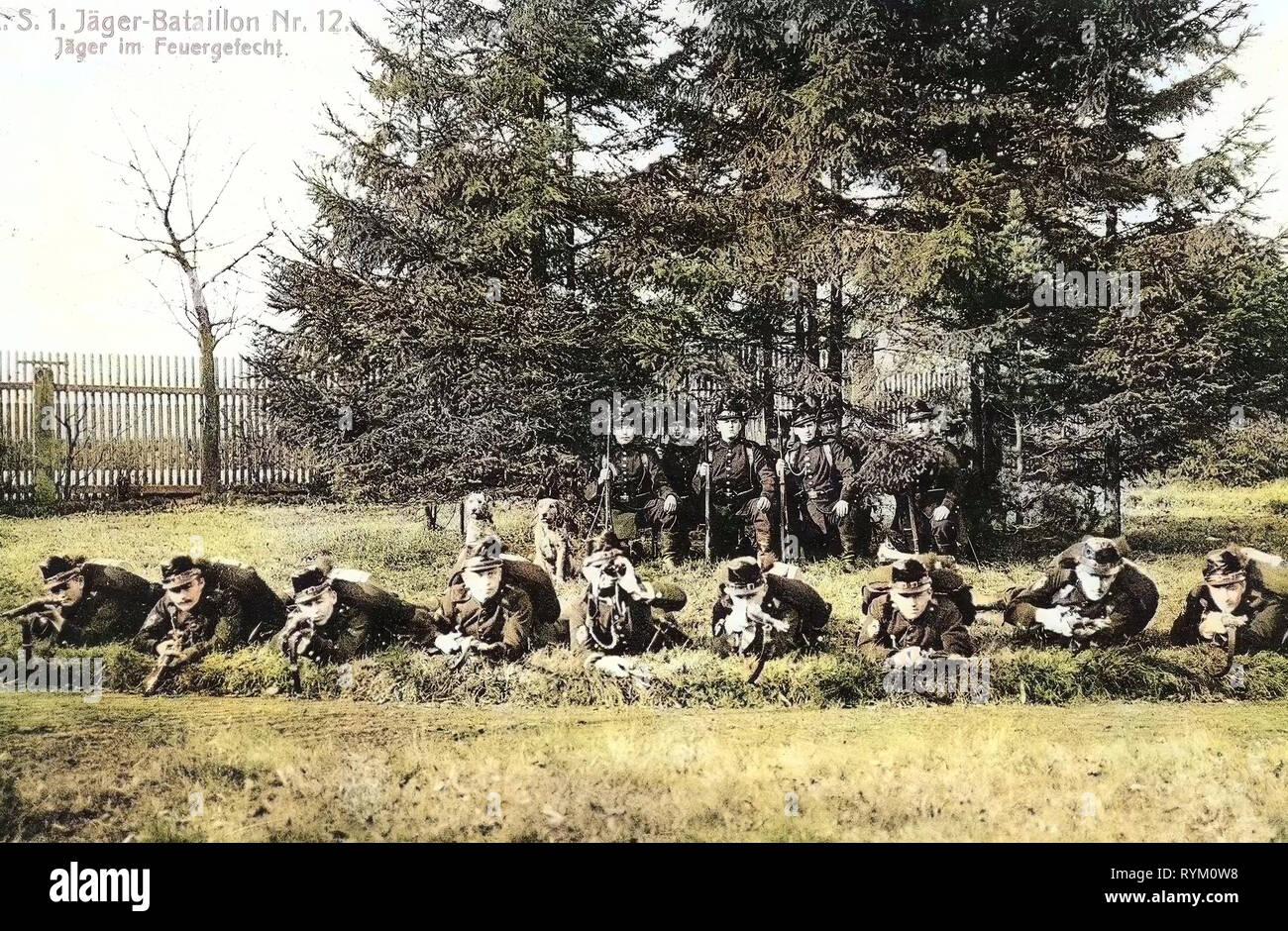 Shooting ranges in Germany, Use of weapons, Military working dogs of Germany, 1. Königlich Sächsisches Jäger-Bataillon Nr. 12, 1906, Landkreis Mittelsachsen, Freiberg, Jäger im Gefecht - Stock Image