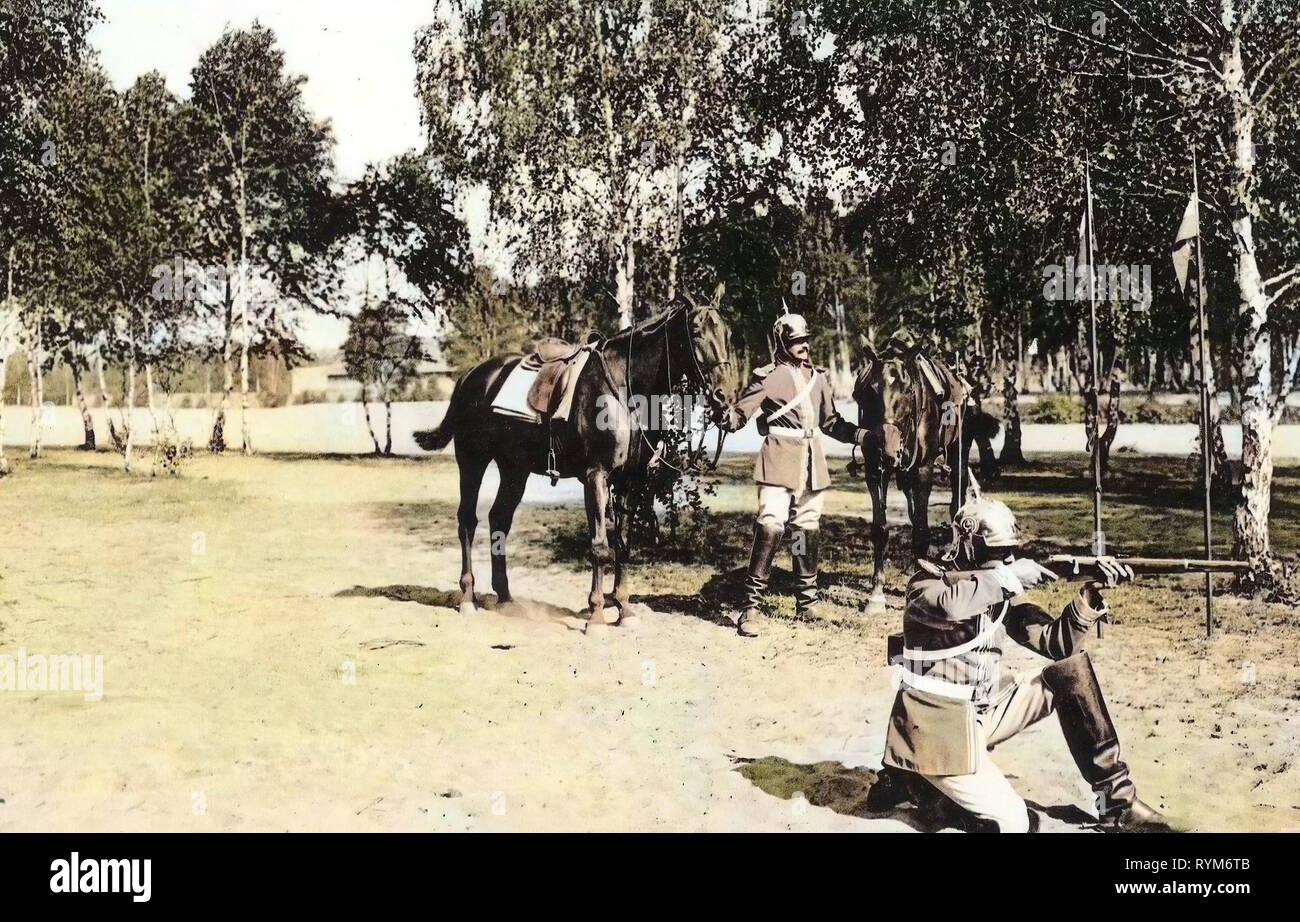 Use of weapons, Military use of horses, Garde-Reiter-Regiment (1. Schweres Regiment), 1903, Dresden, Karabinier im Gefecht zu Fuß, Germany - Stock Image
