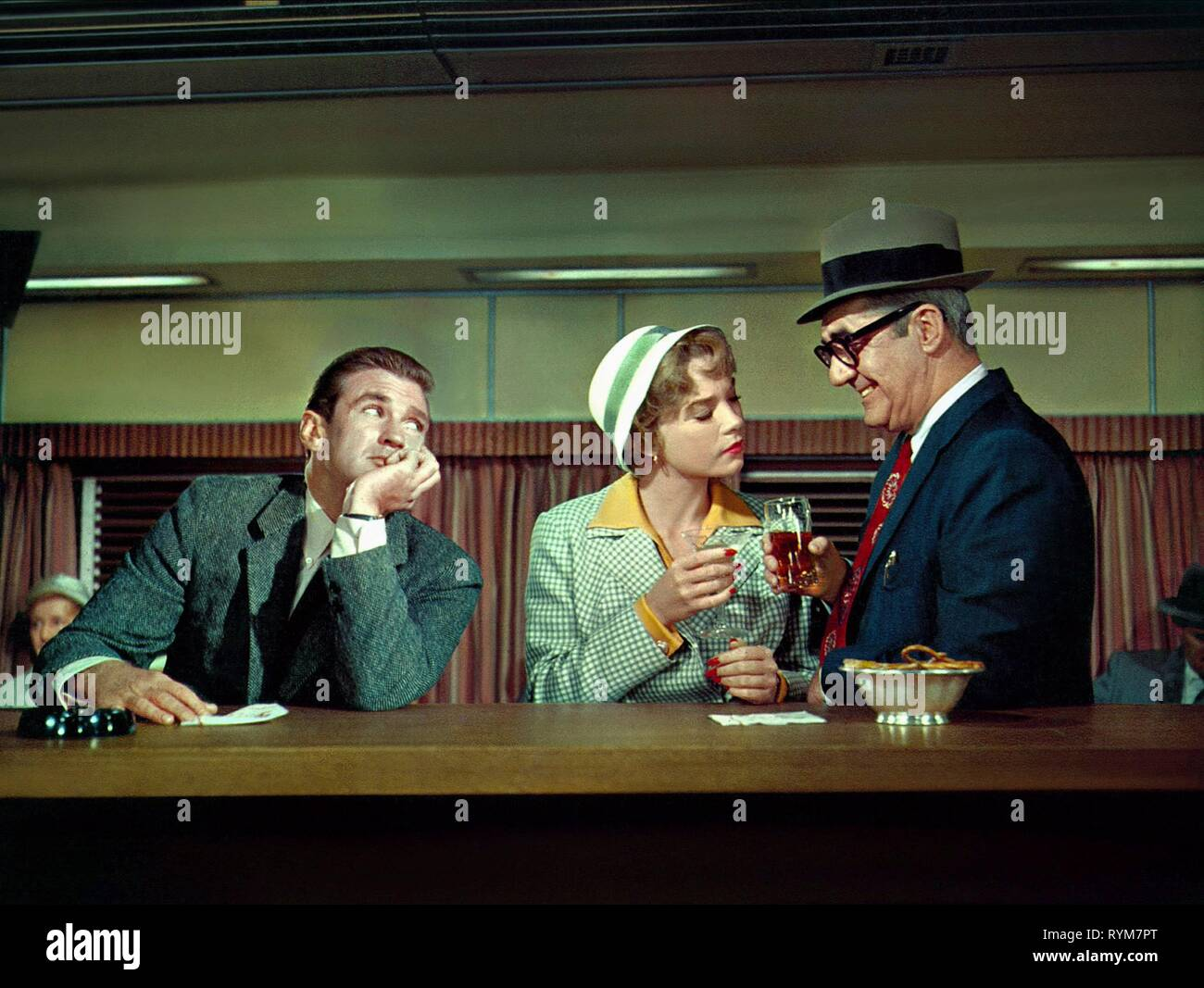 TAYLOR,MACLAINE,BACKUS, ASK ANY GIRL, 1959 - Stock Image