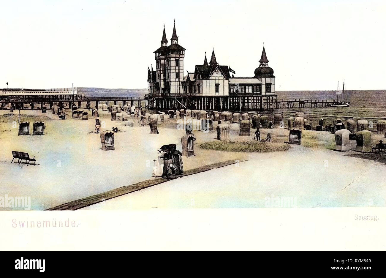 Piers in Poland, Strandkorbs, Beaches of Poland, Ships in Poland, Old, Świnoujście, 1903, West Pomeranian Voivodeship, Swinemünde, Seesteg Stock Photo