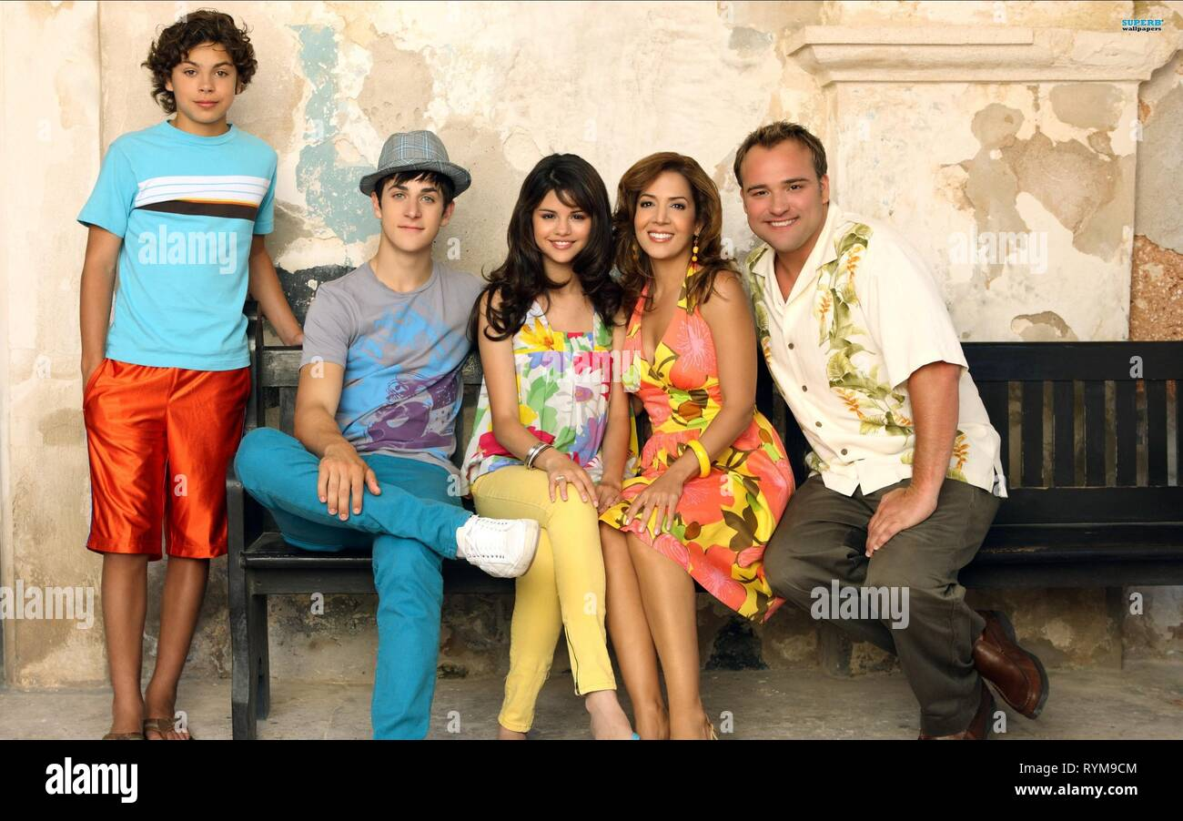 AUSTIN,HENRIE,GOMEZ,CANALS-BARRERA,DELUISE, WIZARDS OF WAVERLY PLACE: THE MOVIE, 2009 - Stock Image