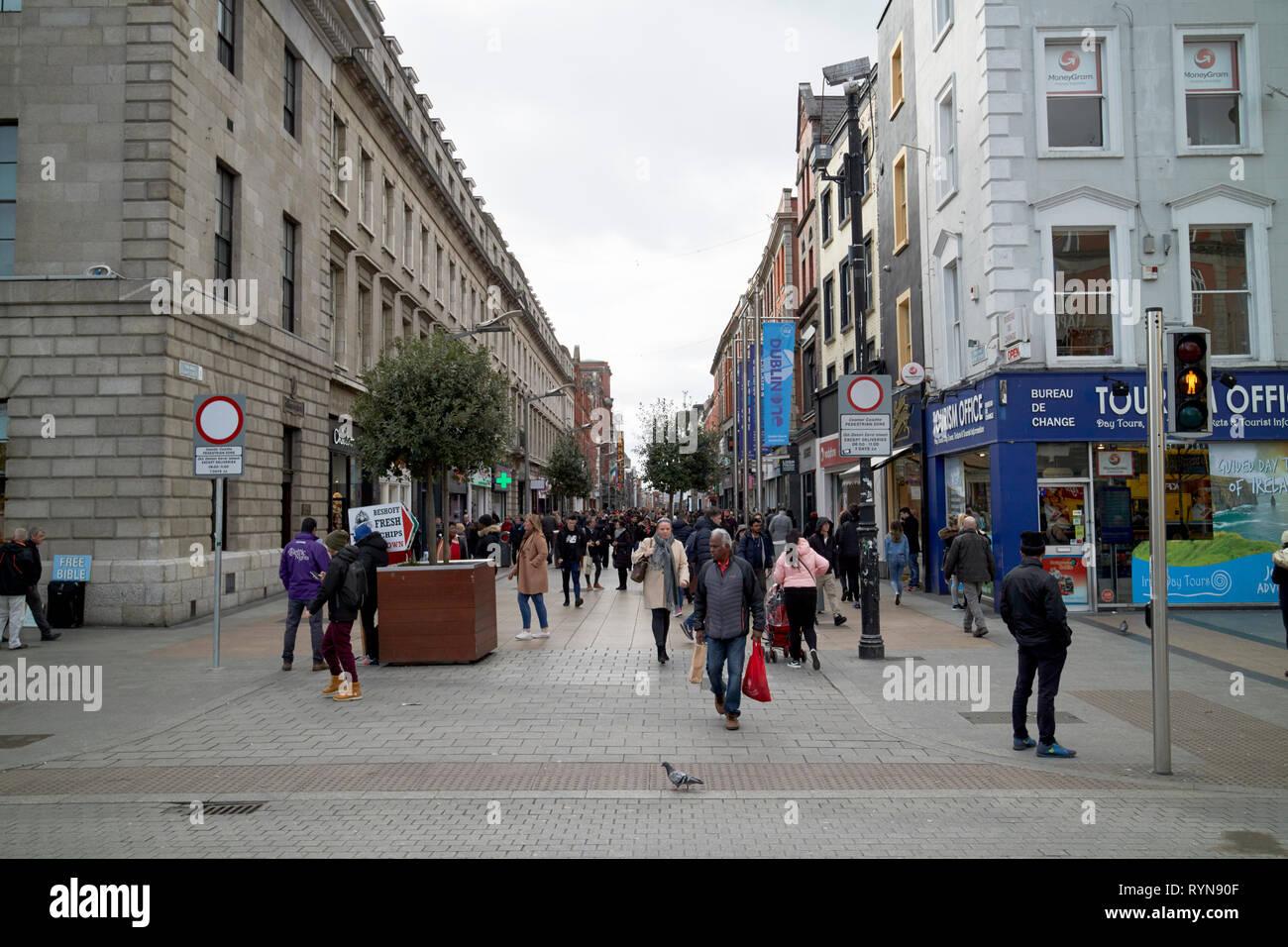 Looking along Henry street from oconnell street Dublin Republic of Ireland Europe - Stock Image