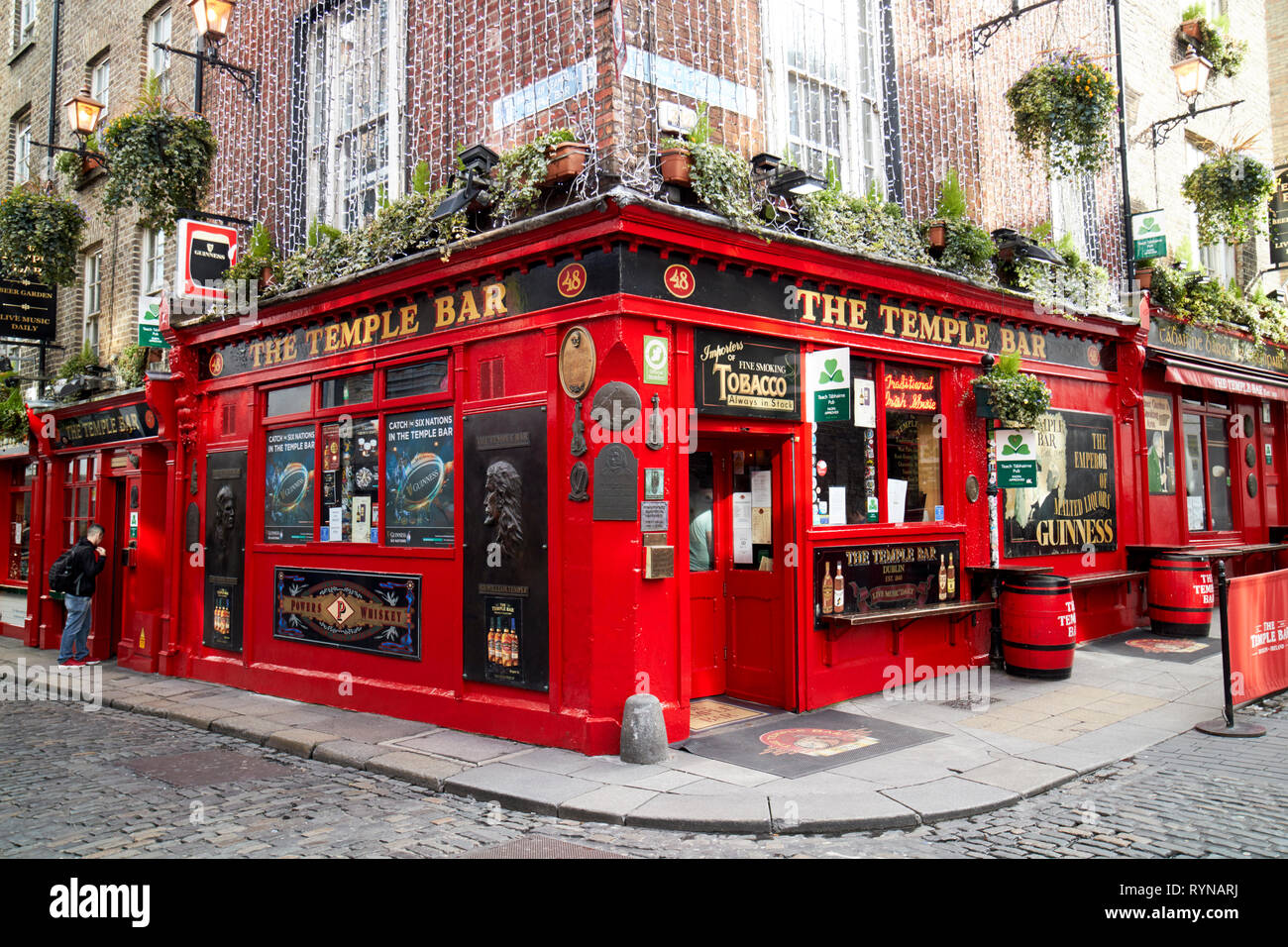 the temple bar pub Dublin Republic of Ireland Europe - Stock Image