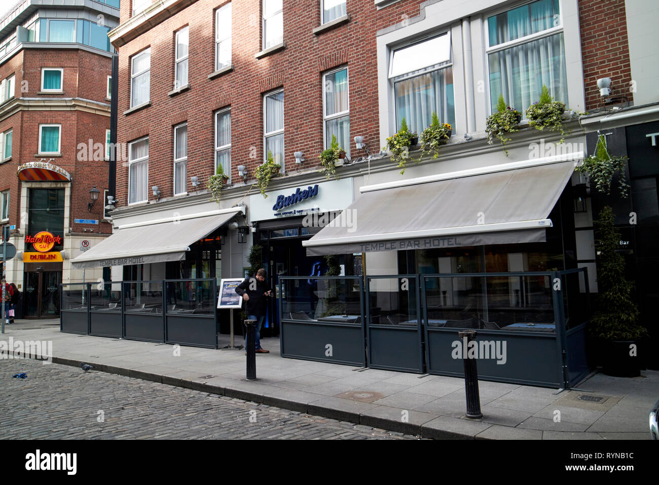 Buskers bar and the temple bar hotel dublin Republic of Ireland Europe - Stock Image