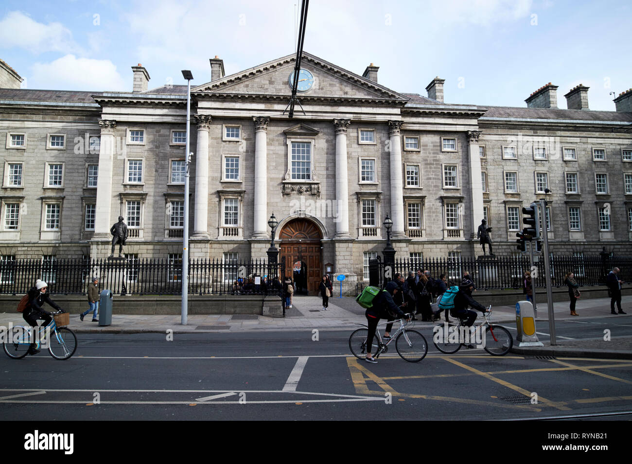 West Front gate of Trinity College Dublin university Dublin Republic of Ireland Europe - Stock Image