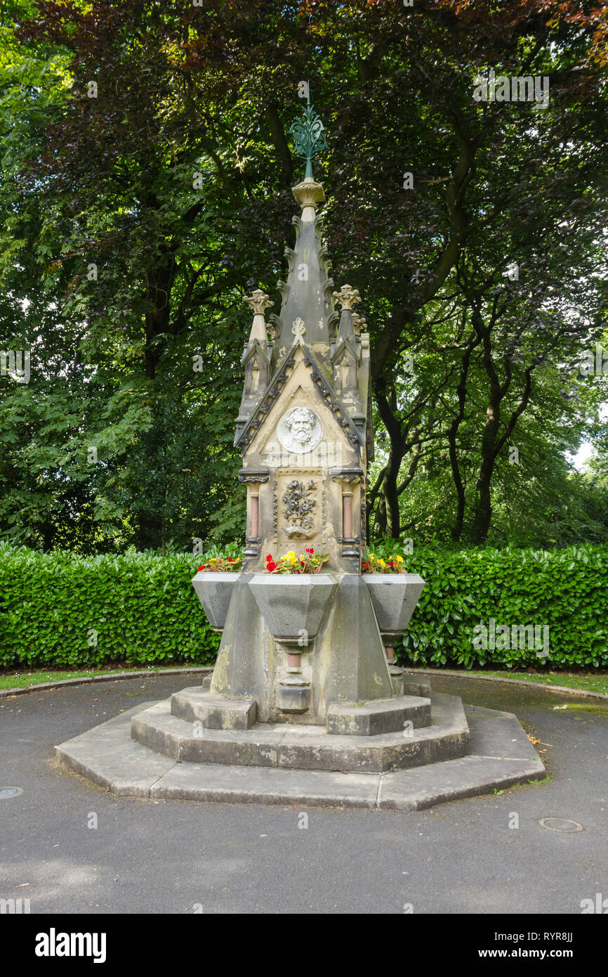 George Charlton Memorial drinking fountain in Saltwell Park, Gateshead, Tyne and Wear.  The memorial dates from 1876, commemorating the life of George Stock Photo