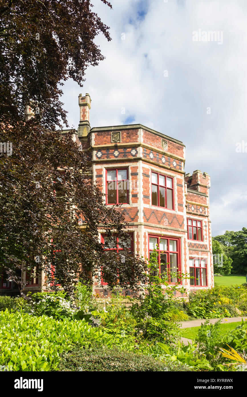 Saltwell Towers in Saltwell Park, Gateshead, Tyne and Wear. The mansion, sited in the then Saltwellside estate, was begun in 1856 and  completed in 18 Stock Photo