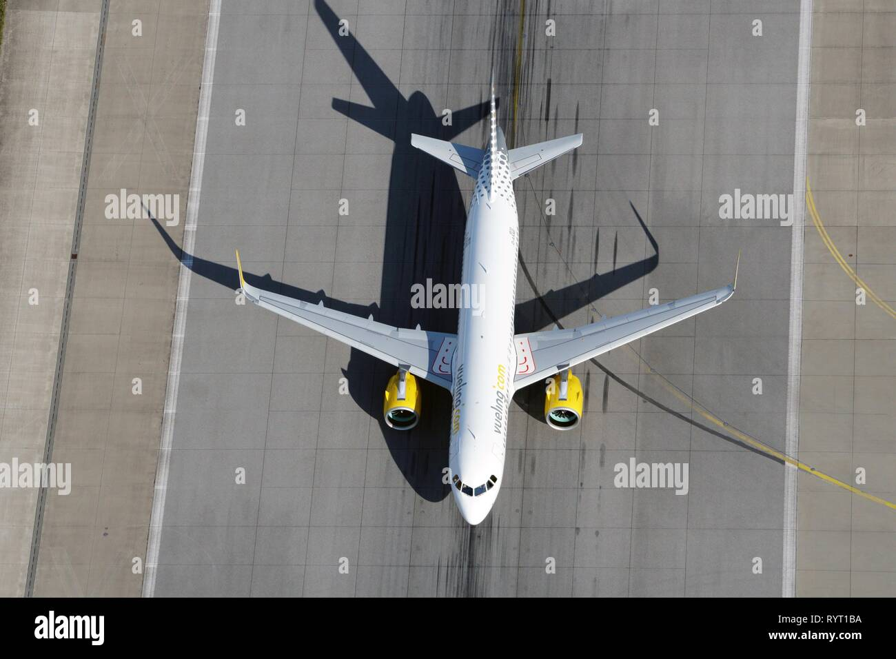 Airbus A319, Vueling, on the runway, Hamburg, Germany - Stock Image
