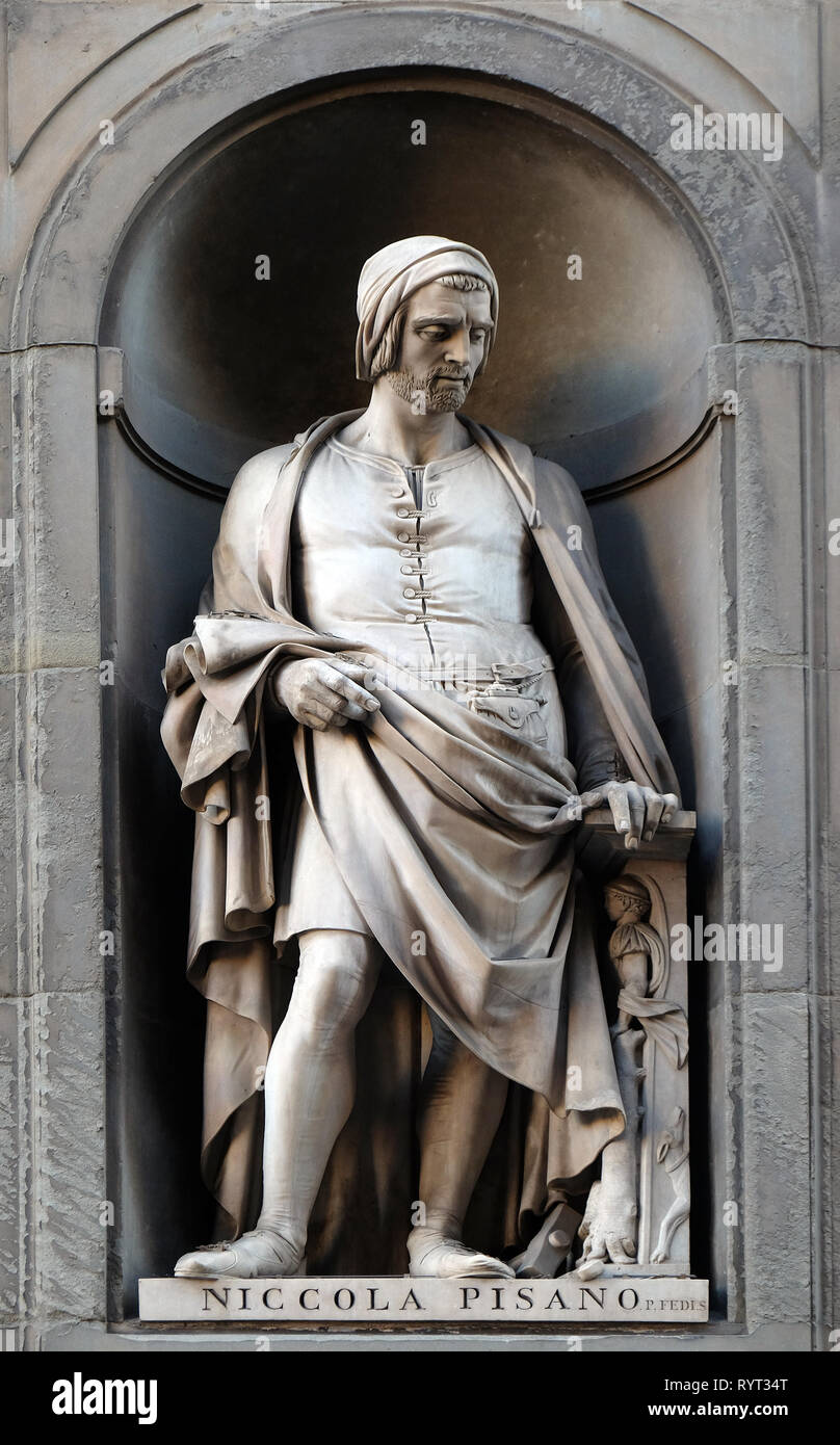 Nicola Pisano, statue in the Niches of the Uffizi Colonnade in Florence Stock Photo