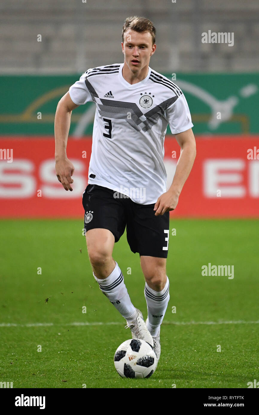 Ingolstadt, Deutschland. 15th Mar, 2019. Cadre nomination at DFB team: Lukas KLOSTERMANN appointed to national team. Image: Lukas KLOSTERMANN (GER) Action, single action, single image, cut out, full body shot, whole figure. Soccer U-21 Laenderspiel.EM Qualification, Germany (GER) - Norway (NOR) 2-1, on 12.10.2018 in Ingolstadt/AUDI SPORTPARK. DFB REGULATIONS PROHIBIT ANY USE OF PHOTOGRAPH AS IMAGE SEQUENCES AND/OR QUASI VIDEO. | Usage worldwide Credit: dpa/Alamy Live News Stock Photo