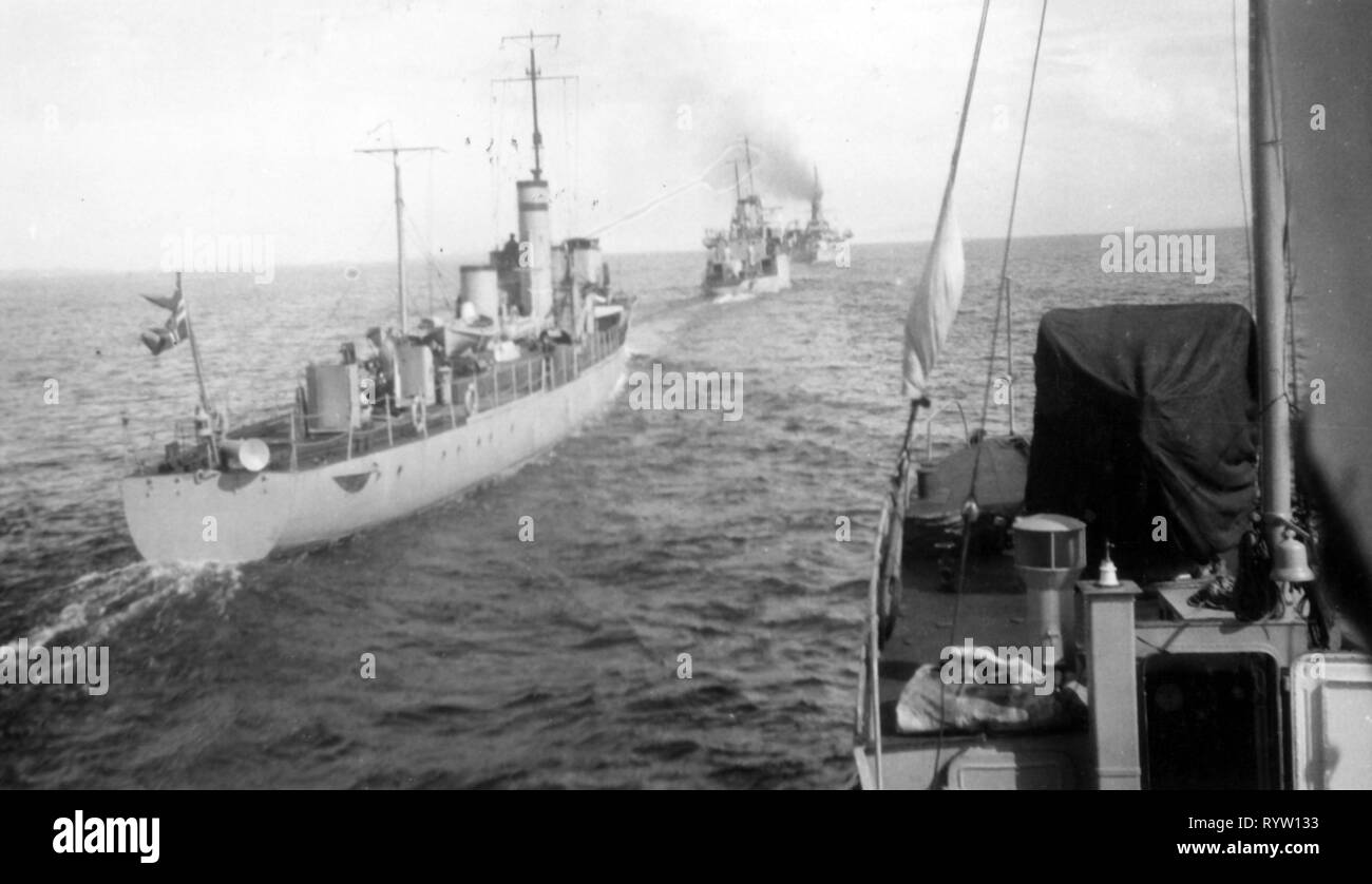 transport / transportation, navigation, warship, Norwegian destroyer squadron on patrol in the Norwegian Sea, 1930s, Additional-Rights-Clearance-Info-Not-Available - Stock Image