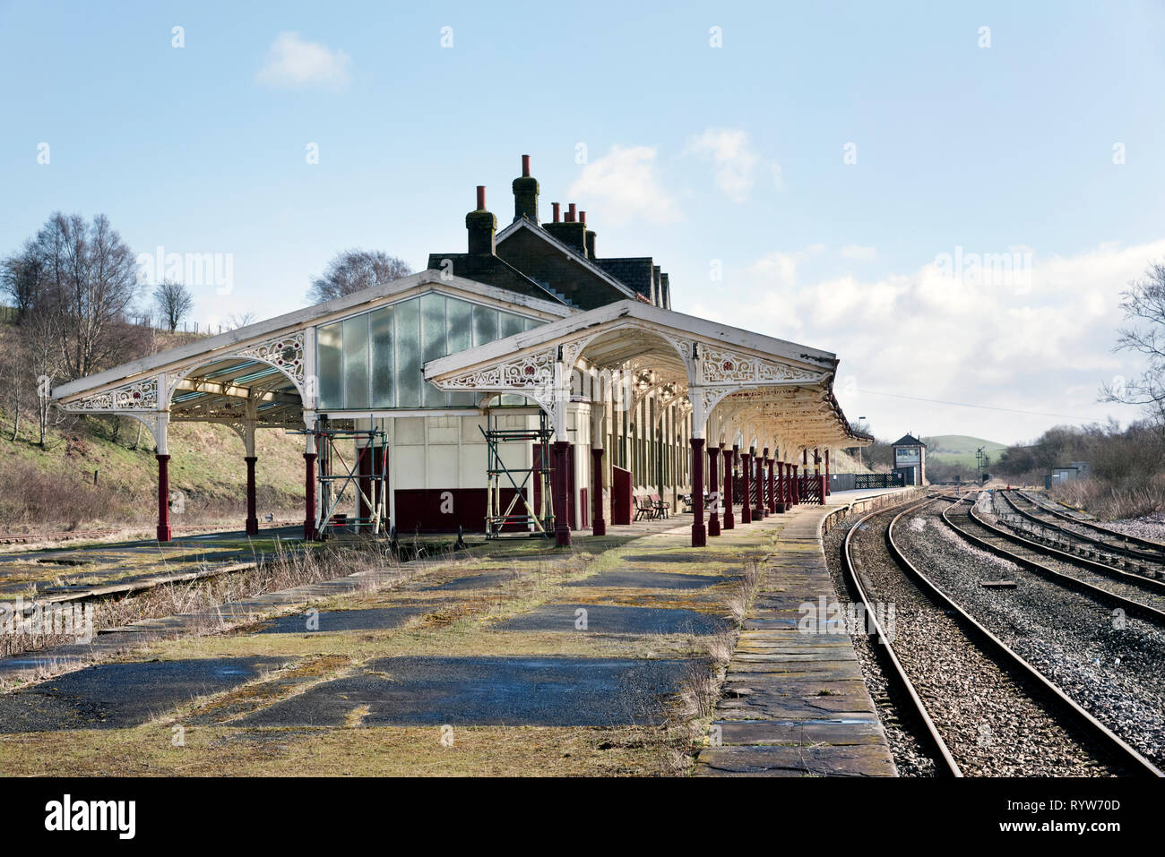 Hellifield railway Station, North Yorkshire. The Grade II listed building was built by the former Midland railway Company in 1880. - Stock Image