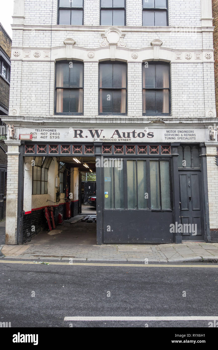 R.J. Autos, Morocco Street, London, SE1, UK - Stock Image