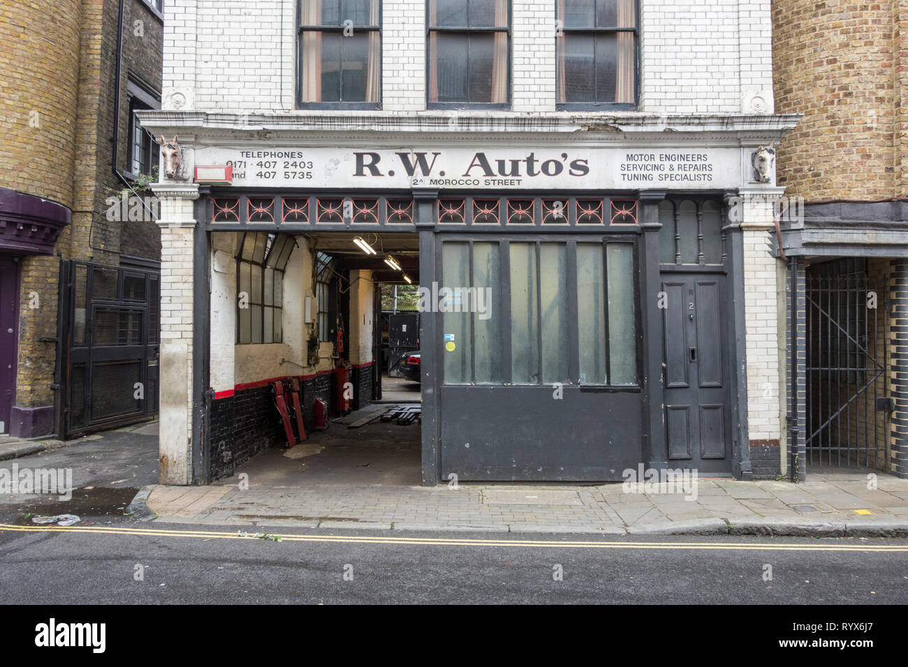 R.W. Autos, Morocco Street, Southwark, London, UK - Stock Image