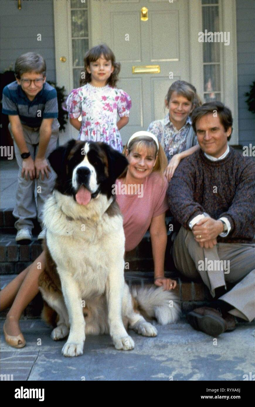 SARAH ROSE KARR, CHRISTOPHER CASTILE, NICHOLLE TOM, BONNIE HUNT,CHARLES GRODIN, BEETHOVEN, 1992 - Stock Image