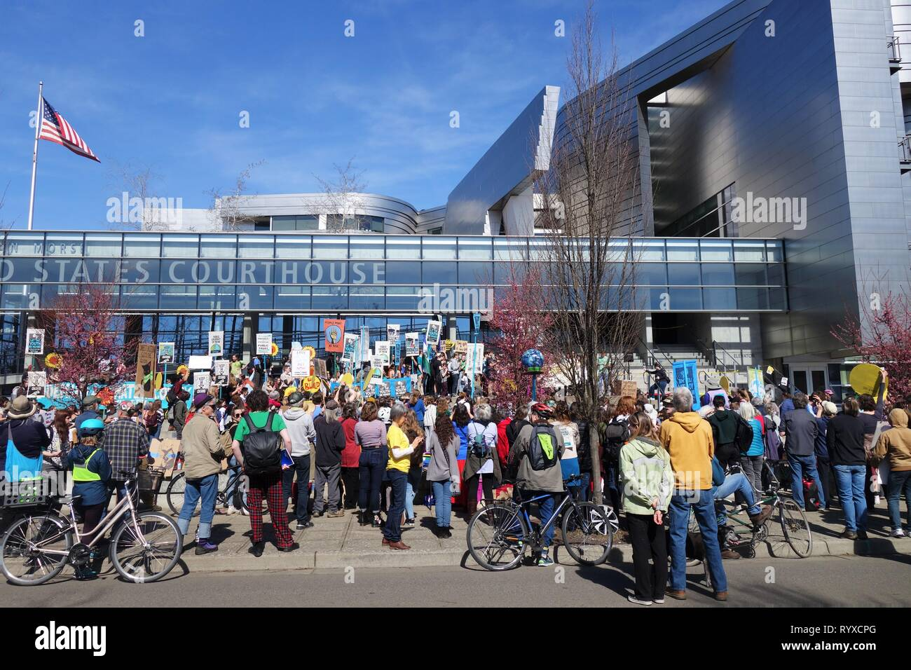 Youth and supporters gathered at the Global Climate Strike rally in Eugene, Oregon, USA. - Stock Image