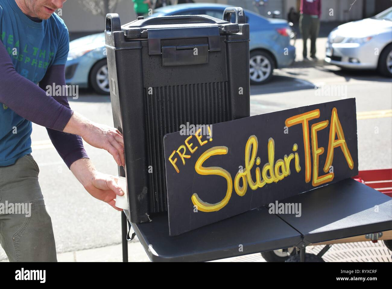 Free 'SolidariTea' at the Global Climate Strike rally in Eugene, Oregon, USA. - Stock Image