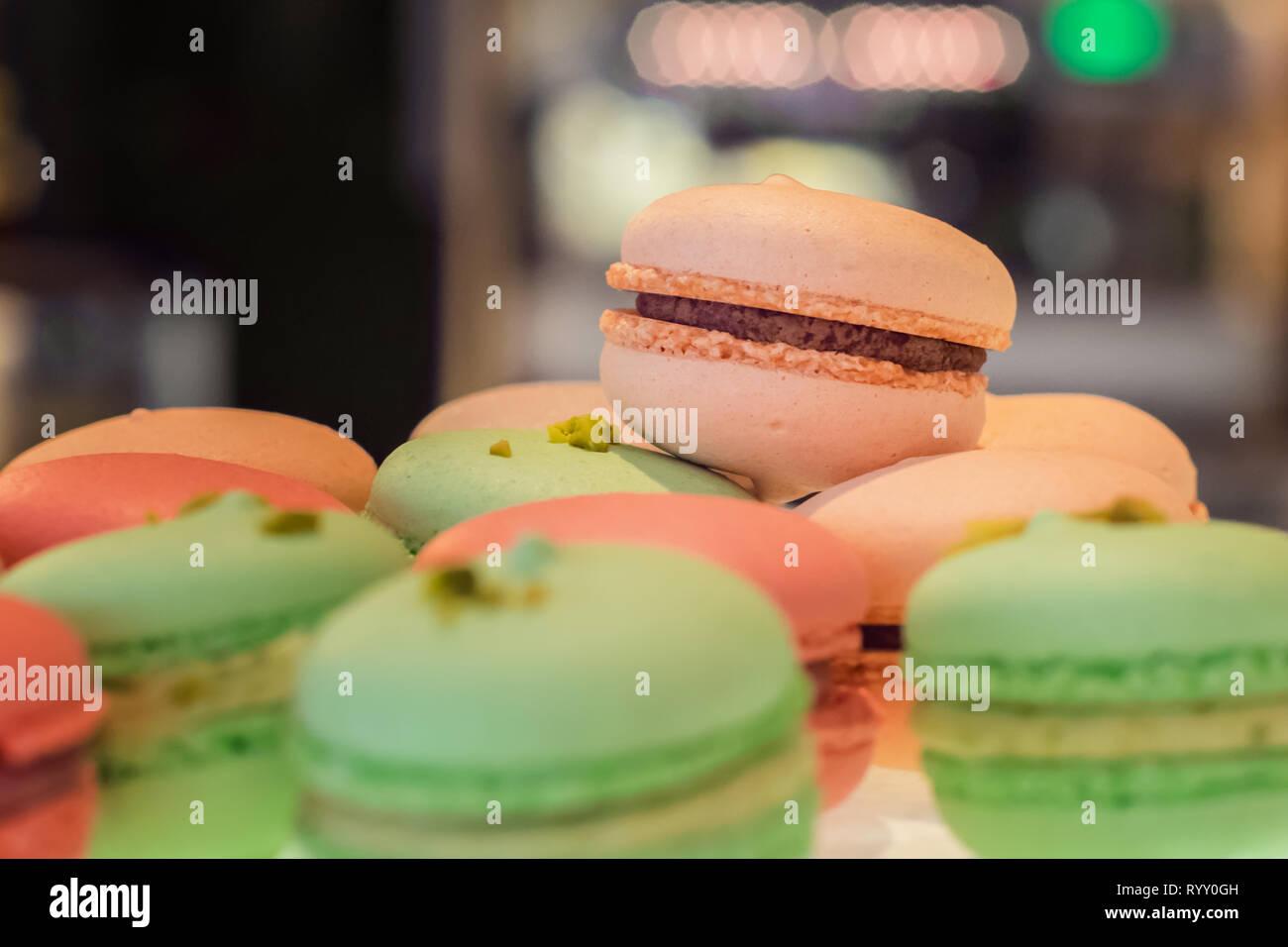 Süße Macarons als Nachspeise - Süßspeise - Stock Image