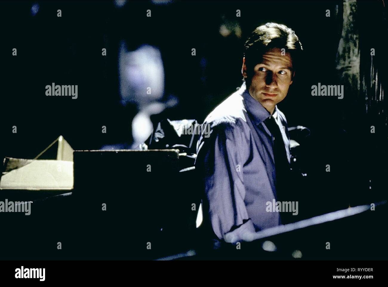 DAVID DUCHOVNY, THE X FILES, 1998 Stock Photo