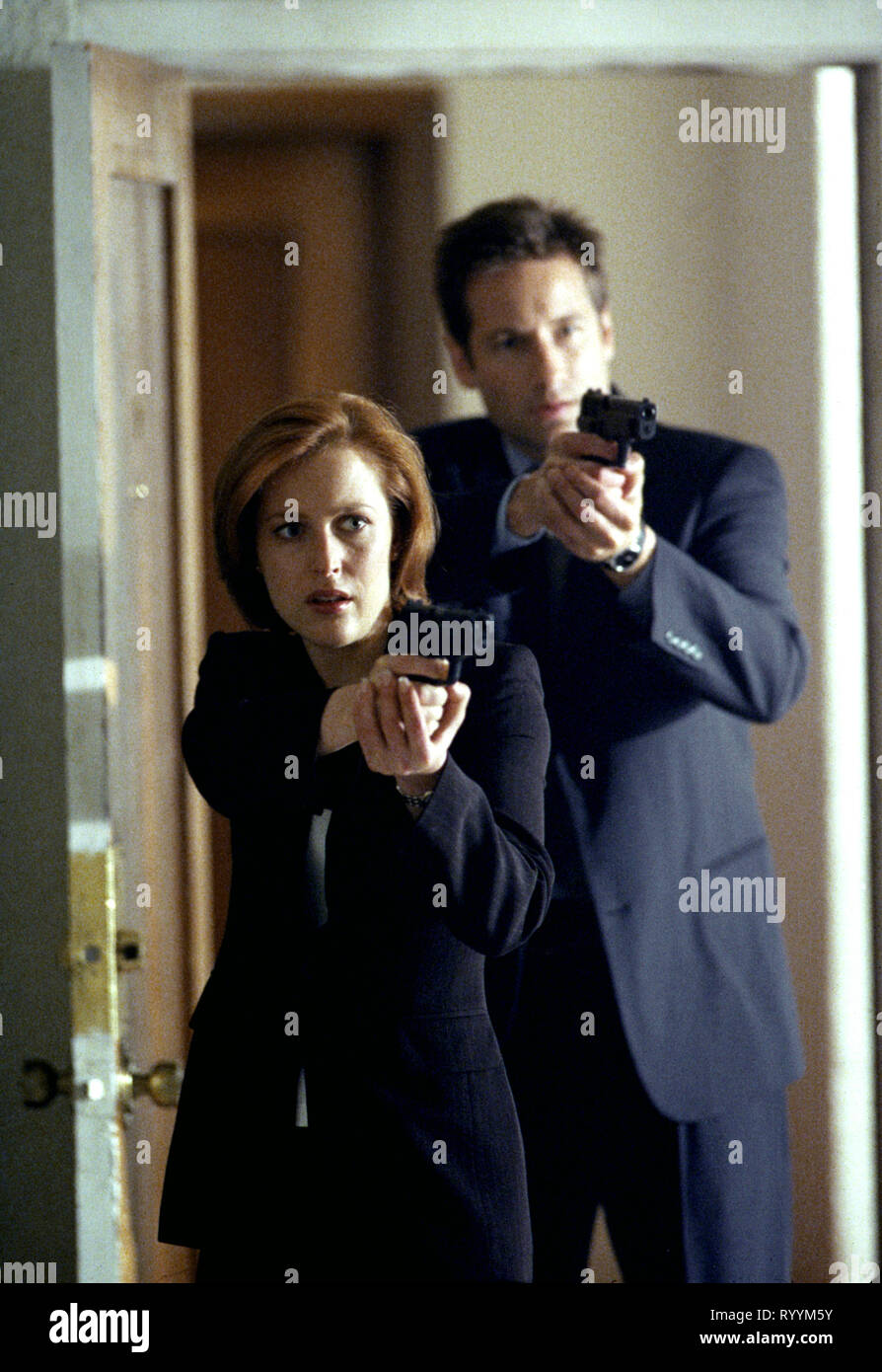 GILLIAN ANDERSON, DAVID DUCHOVNY, THE X FILES, 1993 - Stock Image