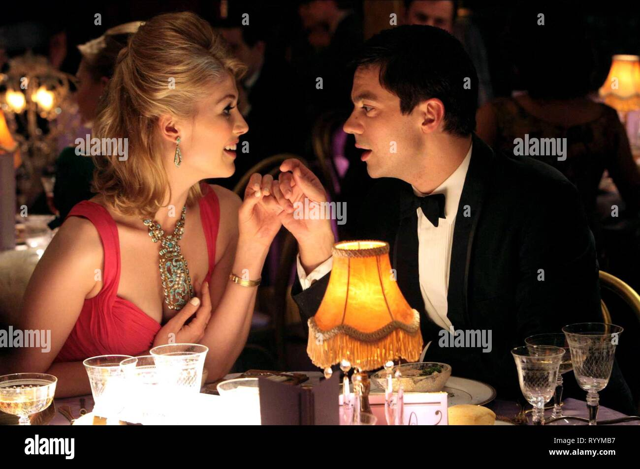 ROSAMUND PIKE, DOMINIC COOPER, AN EDUCATION, 2009 - Stock Image