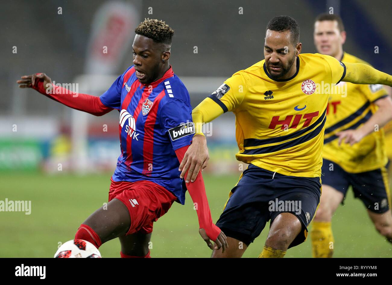 Duisburg, Deutschland. 15th Mar, 2019. firo: 15.03.2019 Football, 3. Bundesliga, season 2018/2019 KFC Uerdingen 05 - SC Fortuna Cologne Johannes Dörfler (# 16, KFC Uerdingen 05) in duels with Boné Uaferro (# 4, SC Fortuna Köl) ln) usage worldwide Credit: dpa/Alamy Live News - Stock Image