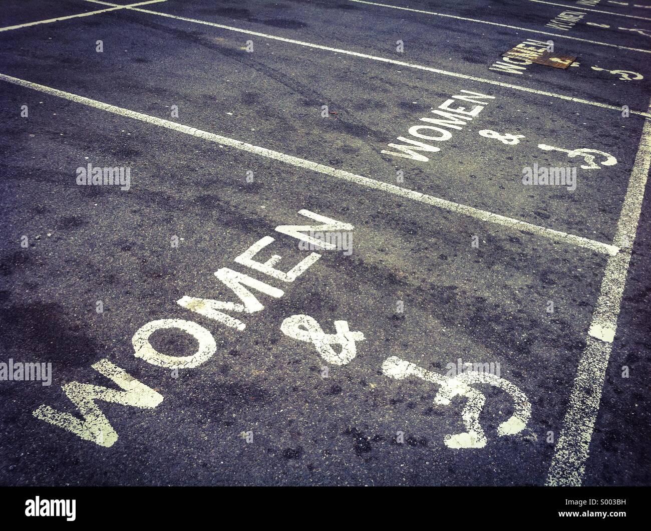 Weird car parking signage - Stock Image