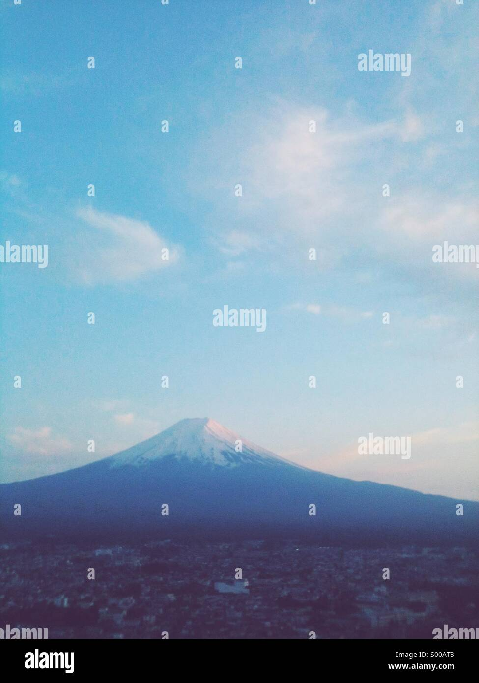 Mountain fuji in twilight. - Stock Image