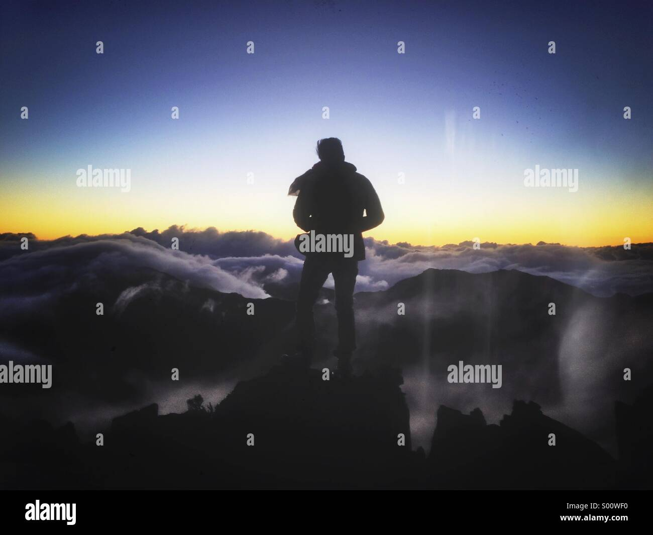 Sunrise at the top of Haleakala mountain in Maui. - Stock Image