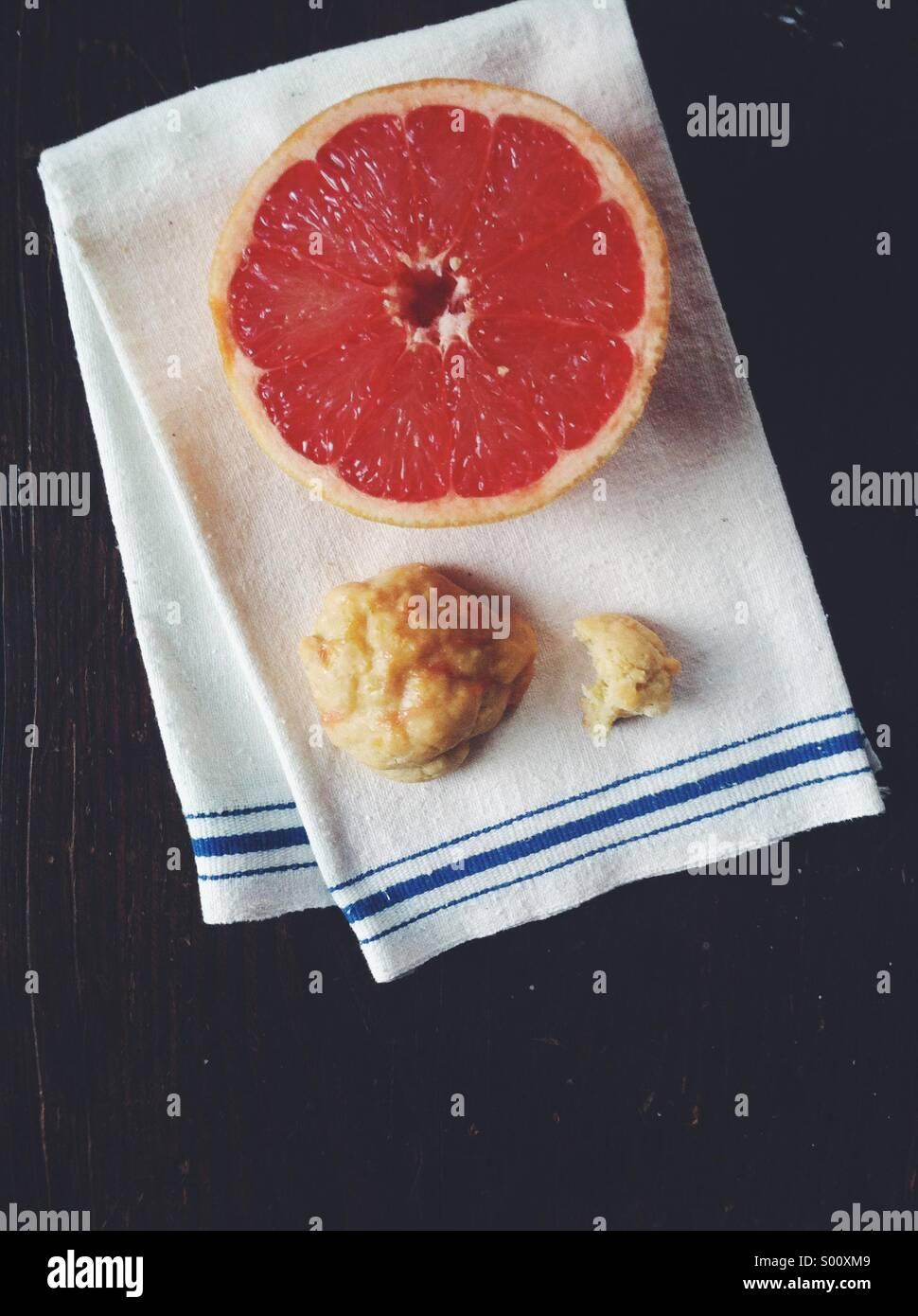 Grapefruit glazed cookies - Stock Image