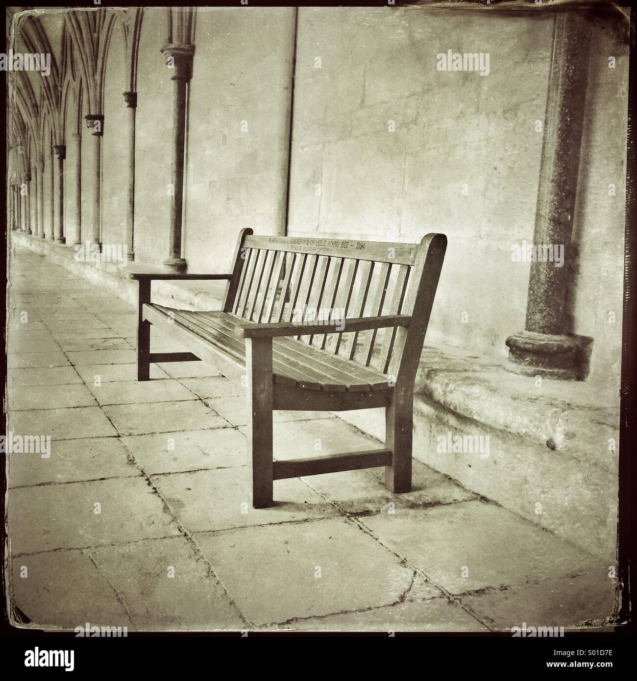 Vacant bench seat - Stock Image